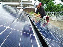 太陽光パネルのメンテナンス